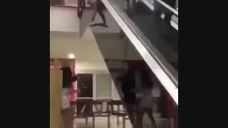 این چه کاریه شما دخترا می کنید آخه ؟