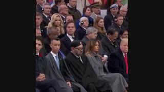 خوابیدن پادشاه مراکش هنگام سخنرانی رئیس جمهور فرانسه