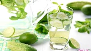 10 مزیت مصرف آب خیار در صبح
