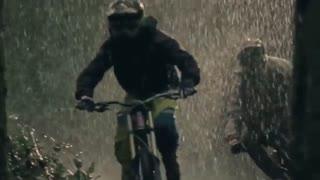 دوچرخه سواری در باران
