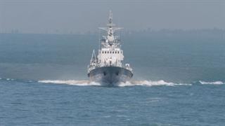توقیف 3 شناور اوکراینی  توسط کشتی های روسی و تبادل آتش میان آنها