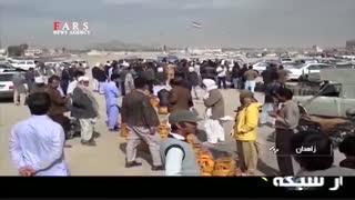 صف کشیدن مردم برای پر کردن کپسول گاز در زاهدان