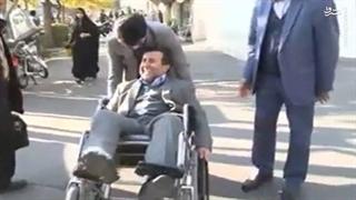 گشت و گذار رئیس کمیسیون معلولان با ویلچر در مکان های عمومی