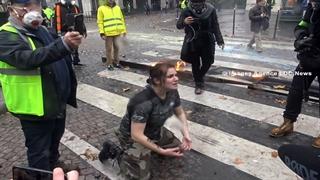 لحظاتی تکاندهنده از تظاهرات پاریس