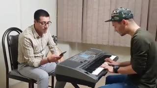آهنگ نوازش اثر ابی - با صدای محمود عبدالملکی و آرمین اثباتی در کلاس صداسازی و آواز  #صداسازی #آواز