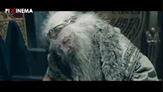 سکانس ارباب حلقهها ۲ : رهایی تئودن از تسخیز سارومان بوسیله عصای سفید