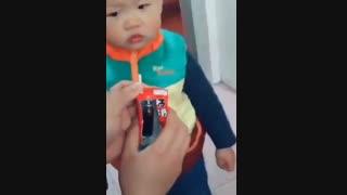 یک روش برای خوراندن دارو به کودکان( رفیق بی کلک مادر)