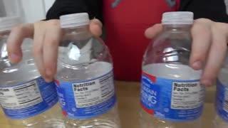 حرکات دیدنی بچه ها ی با مزه با بطری آب ،حتما ببینید!