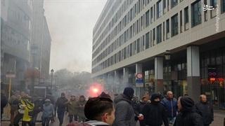 مقر کمیسیون اروپا در میان دود و آتش