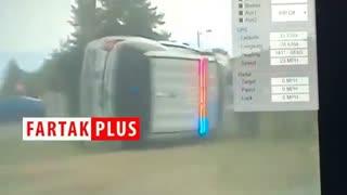 چپ شدن خودروی پلیس حین تعقیب یک سارق