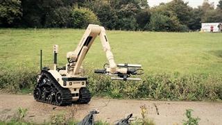 انگلیس با ربات های یک میلیون پوندی بمب خنثی می کند