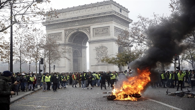 bbc france fuel unrest - 640×360
