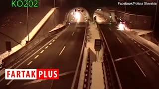 پرواز هولناک خودرو در دهانه تونل