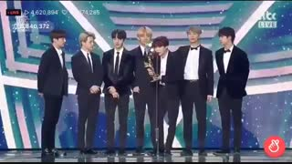 BTS بی تی اس برنده Digital Bonsang در 33rd Golden Disk Awards