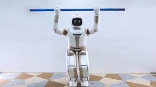ربات پیشرفته ی ساخت شرکت Ubtech با حرکات انسان نما رونمایی شد .