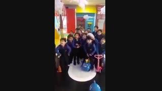 خانه بازی کودک ماداگاسکار/کرج/فقط اون بچه سمت چپیه نگاااااه کن
