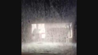 پاشش آب در برج خنک کننده