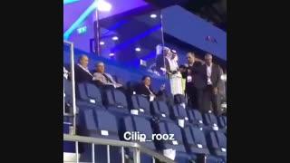 حضور عارف در کنار مسئولان ایرانی در ورزشگاه دوبی