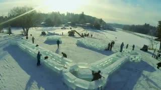 ساخت قلعه یخی در نیویورک