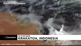 تصاویر هوایی جدید از آتش فشان آناک کراکاتوآ ( اندونزی ) ( 2019 / 01 / 11 - 10 )