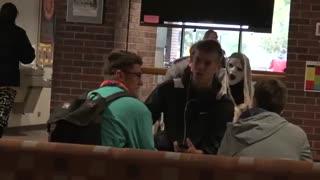 ترساندن مردم با عروسک/ آخر خنده