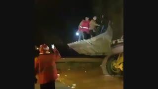 نجات گرفتاران در سیل توسط نیروهای امدادی  لرستان