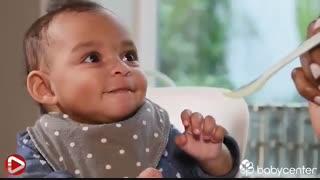 کودک از چه زمانی آمادگی خوردن غذای کمکی را دارد