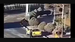 تیراندازی یک راننده تاکسی به شهرداری هشتگرد استان البرز