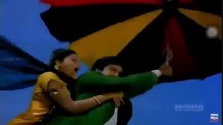 آخر فیلم هندی ، پرواز با چتر بر فراز آسمان...