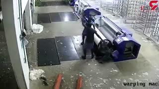 بلعیدهشدن مرد توسط  دستگاه نساجی