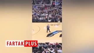 صحنههایی خندهدار از به دام انداختن خفاشها در وسط بازی بسکتبال