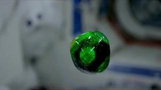 افزودن رنگ خوراکی و قرص جوشان به آب در فضا