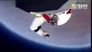 فیلمی زیبا و دلهرهآور از پریدن یک فضانورد اتریشی از ارتفاع ۴۰ کیلومتری زمین