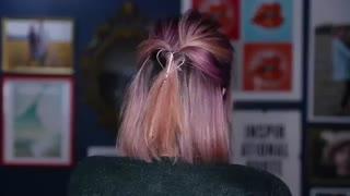 10 مدل برای موهای کوتاه ( لعنتی چقدر رنگ موهاش قشنگههه)