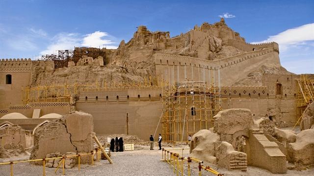با بم و طبیعت بکر و آثار باستانی و تاریخی آن آشنا شوید