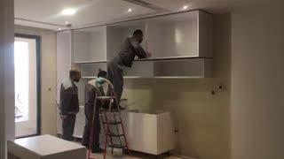 بازسازی ساختمان ونصب کابینت اشپزخانه 02122337132