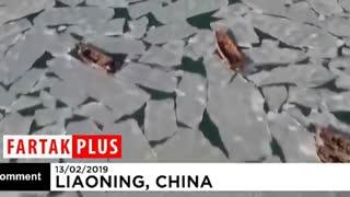 گرفتار شدن قایقهای چینی در یخبندان