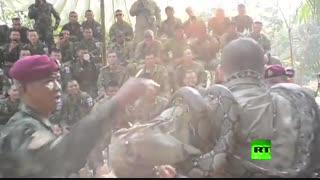 خوردن عقرب و نوشیدن خون مار توسط نظامیان آمریکایی (ویژه)