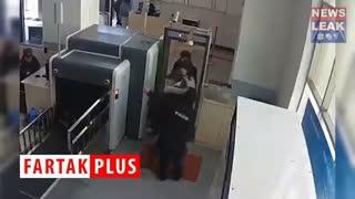 ورود یواشکی کودک به داخل دستگاه ایکس ری! +فیلم