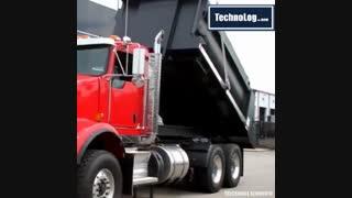 کامیون با  چرخش ۱۸۰ درجه جهت تخلیه بار