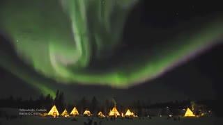 رقص شفق قطبی بر فراز کانادا