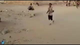 ویدیو چک گذاشتن کنار زمین فوتبال