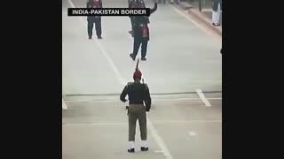 مراسم باز و بسته کردن مرز بین پاکستان و هند