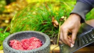 آشپزی در جنگل:لذت درست کردن کباب کوبیده زغالی در طبیعت