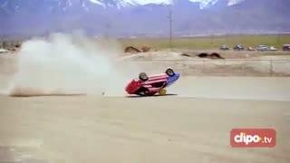 تلاش برای ثبت رکورد ملق زدن با خودرو