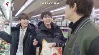 Stray Kids Lee Know (Lee Minho) Laughing For 4 Minutes