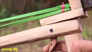 کلیپ آموزشی ساخت یک تفنگ شبیه به تیر و کمان همراه با نشانه گیری دقیق