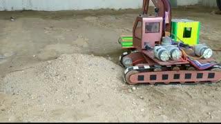 کلیپ آموزش ساخت بیل مکانیکی متحرک