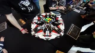 رکورد سریع ترین ربات برای حل مکعب روبیک