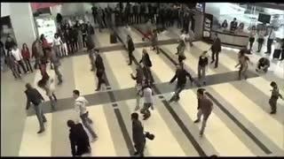 رقص در فرودگاه بیروت